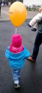 Lapsille Länsimetron ilmapalloja