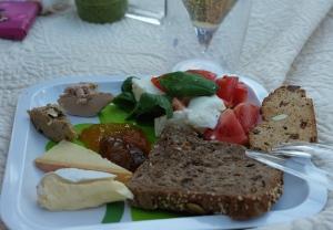 Piknik eväät Töölönlahdella